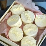 Box of 9 Round Favors 2